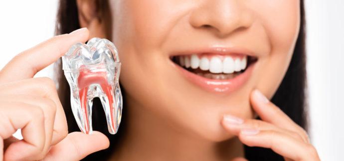 Ein Bleaching-Stift sollte nur dann verwendet werden, wenn Zähne und Zahnfleisch vollständig gesund sind.